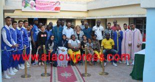جمبلة بلعزيز رئيسة جمعية الأيادي البيضاء في لقاء مفتوح مع المهاجرين الأفارقة على هامش افتتاح البرنامج التربوي موسم 2016 – 2017
