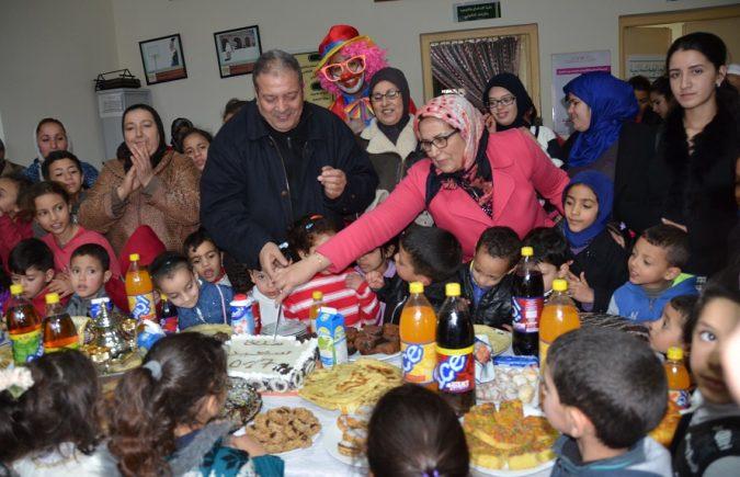 خديجة حجوبي تشارك براعم جمعية قافلة نور الصداقة احتفالهم بحلول السنة الميلادية الجديدة 2017