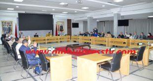 مجريات الدورة الإستثنائية التي تمت المصادقة فيها بالإجماع على تعديل ميزانية مجلس عمالة فاس
